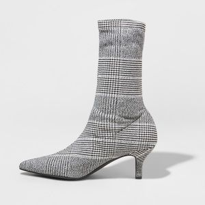 A•new•day Adorable plaid fabric booties